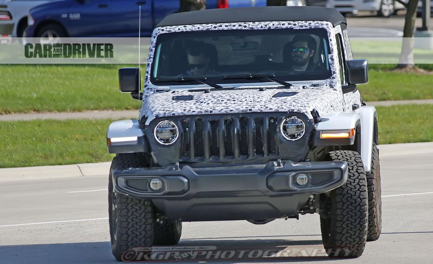 2018 Jeep Wrangler - Slide 7