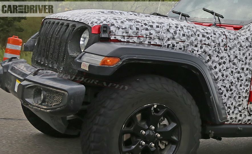2018 Jeep Wrangler - Slide 32