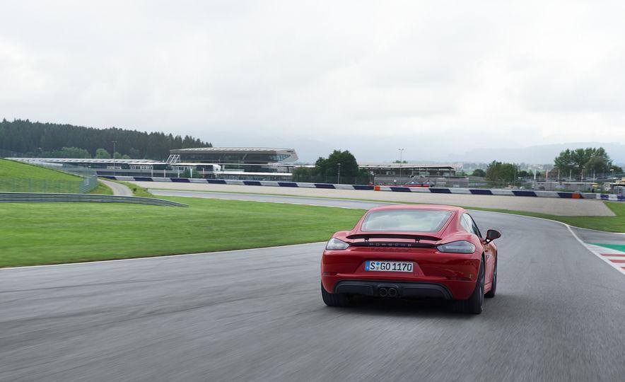 2018 Porsche 718 Boxter GTS - Slide 9