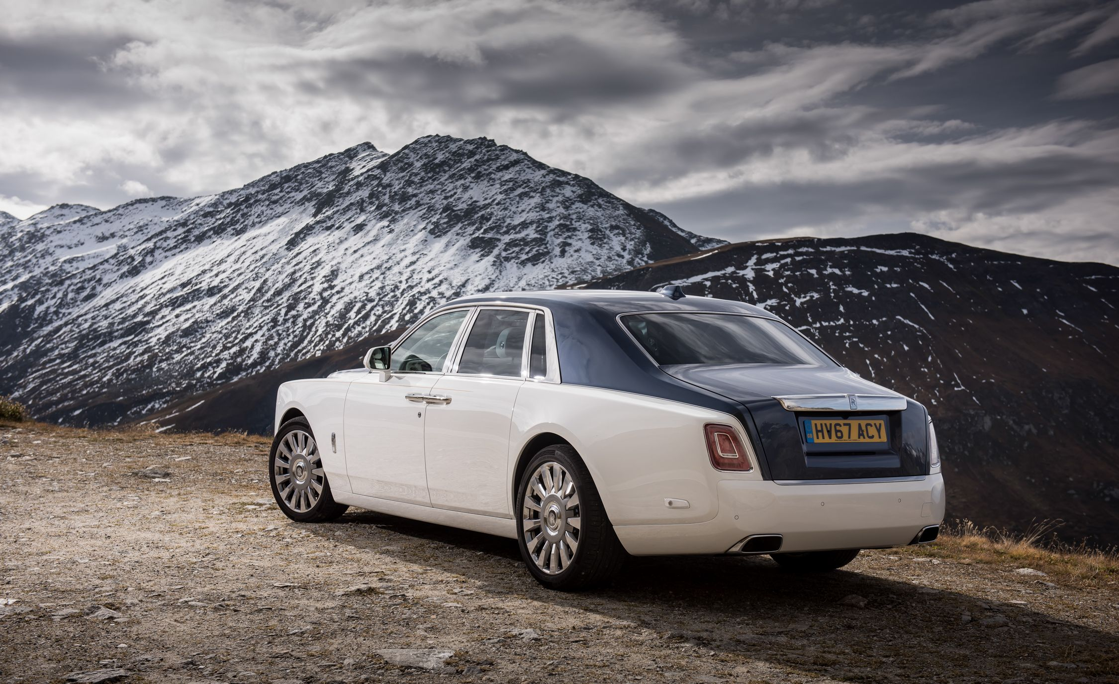 Rolls Royce Phantom Reviews Price Photos And Specs Car Driver