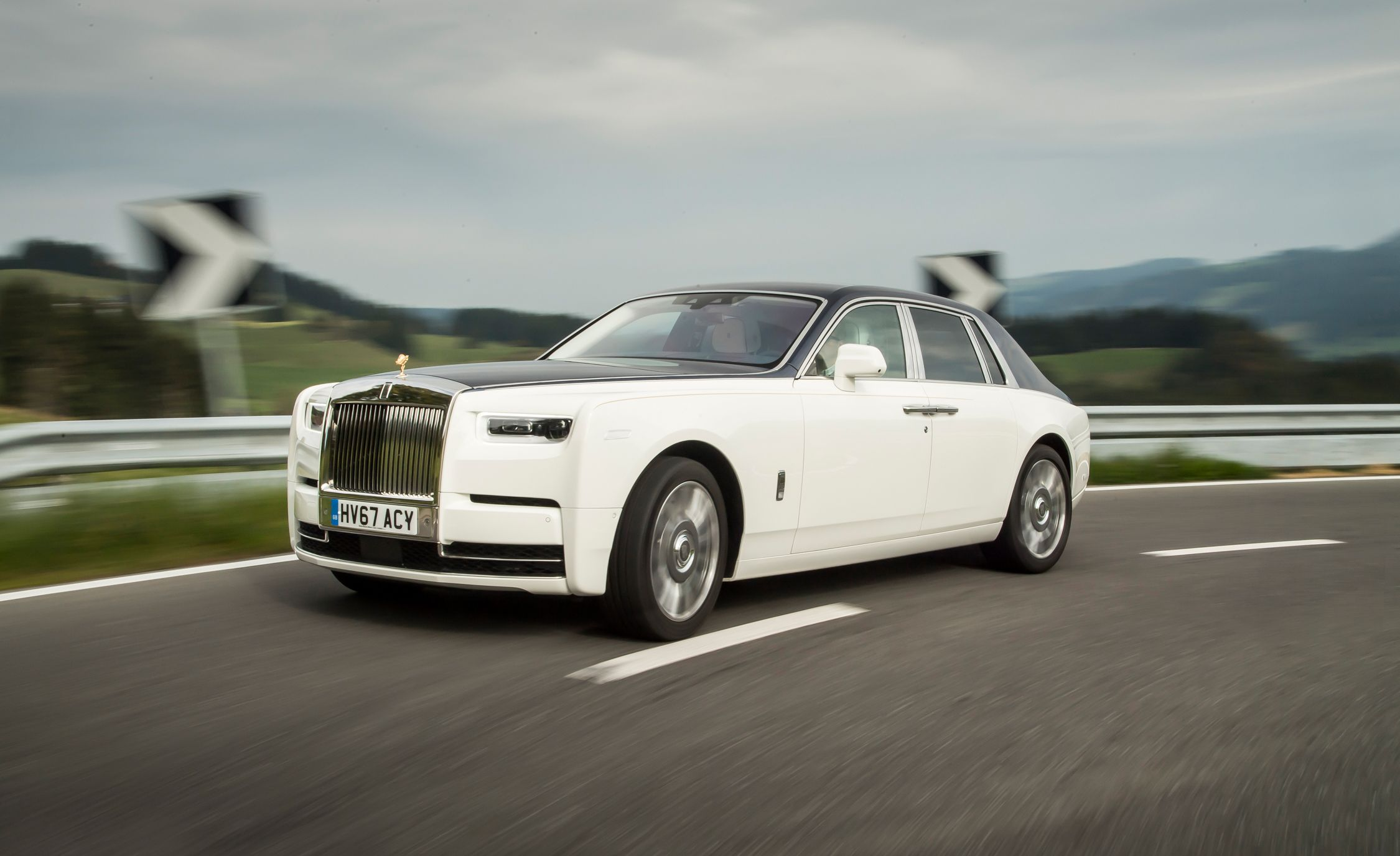 2019 Rolls Royce Phantom Reviews Price Photos And Specs Car Driver