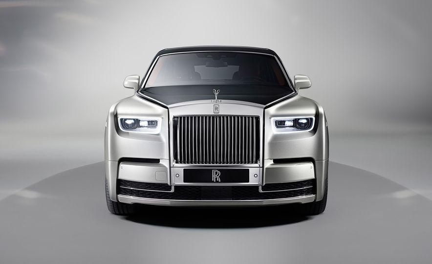 2018 Rolls-Royce Phantom VIII - Slide 2