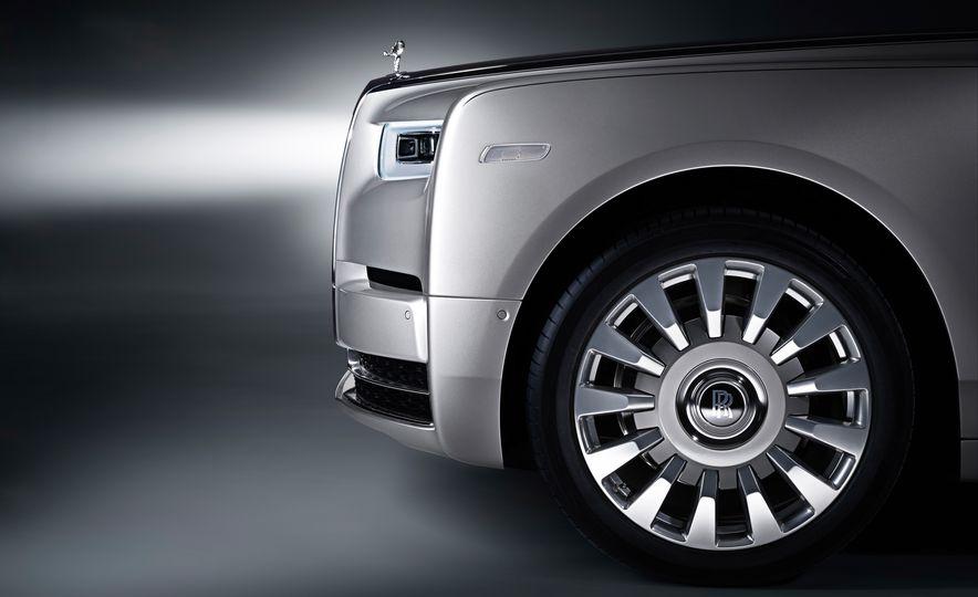 2018 Rolls-Royce Phantom VIII - Slide 5