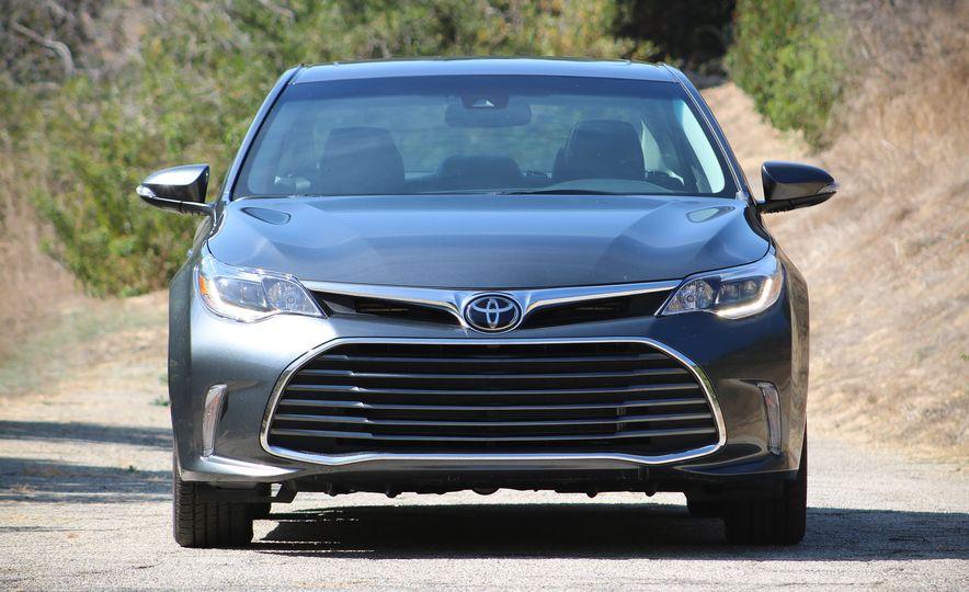 2018 Toyota Avalon Limited - Slide 4