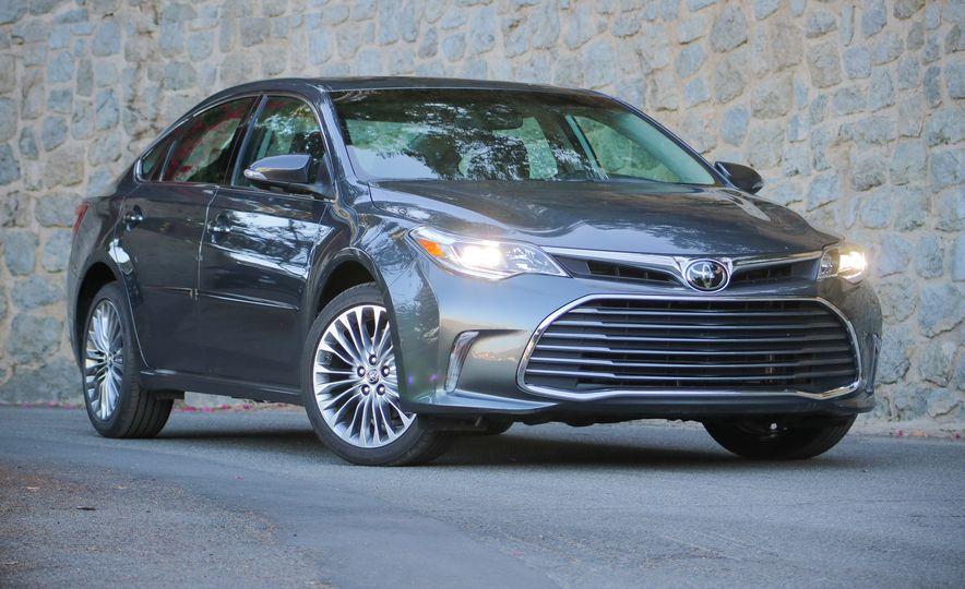 2018 Toyota Avalon Limited - Slide 10