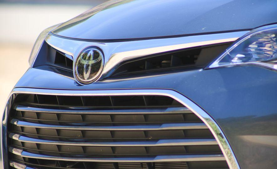 2018 Toyota Avalon Limited - Slide 12