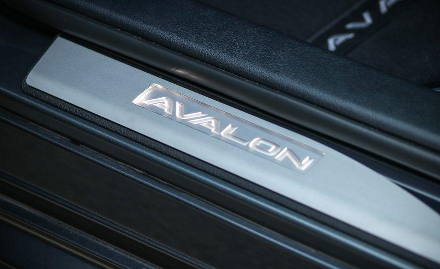 2018 Toyota Avalon Limited - Slide 30
