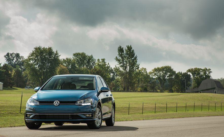 2018 Volkswagen Golf - Slide 10