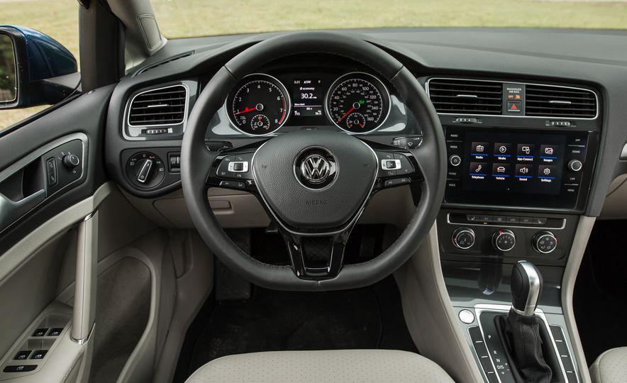 2018 Volkswagen Golf - Slide 35