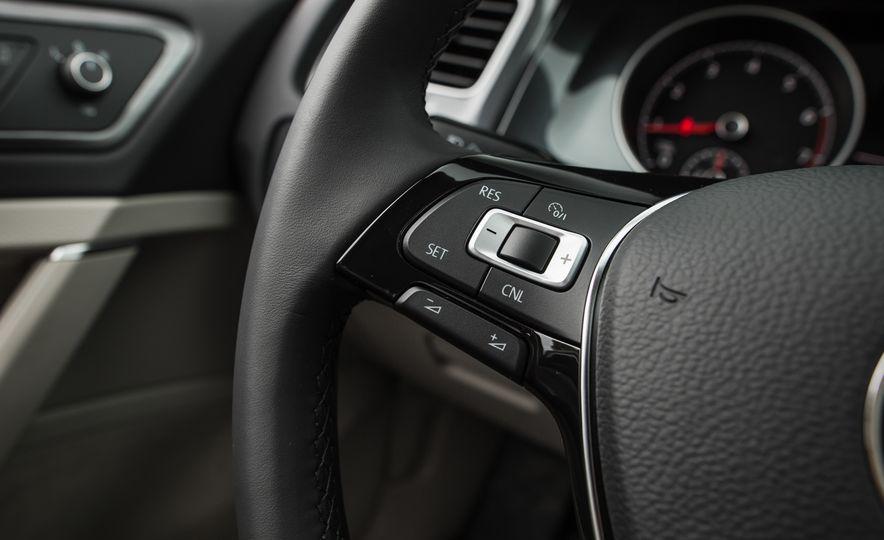 2018 Volkswagen Golf - Slide 38