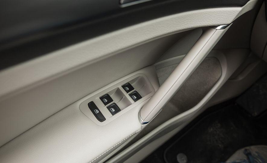2018 Volkswagen Golf - Slide 50