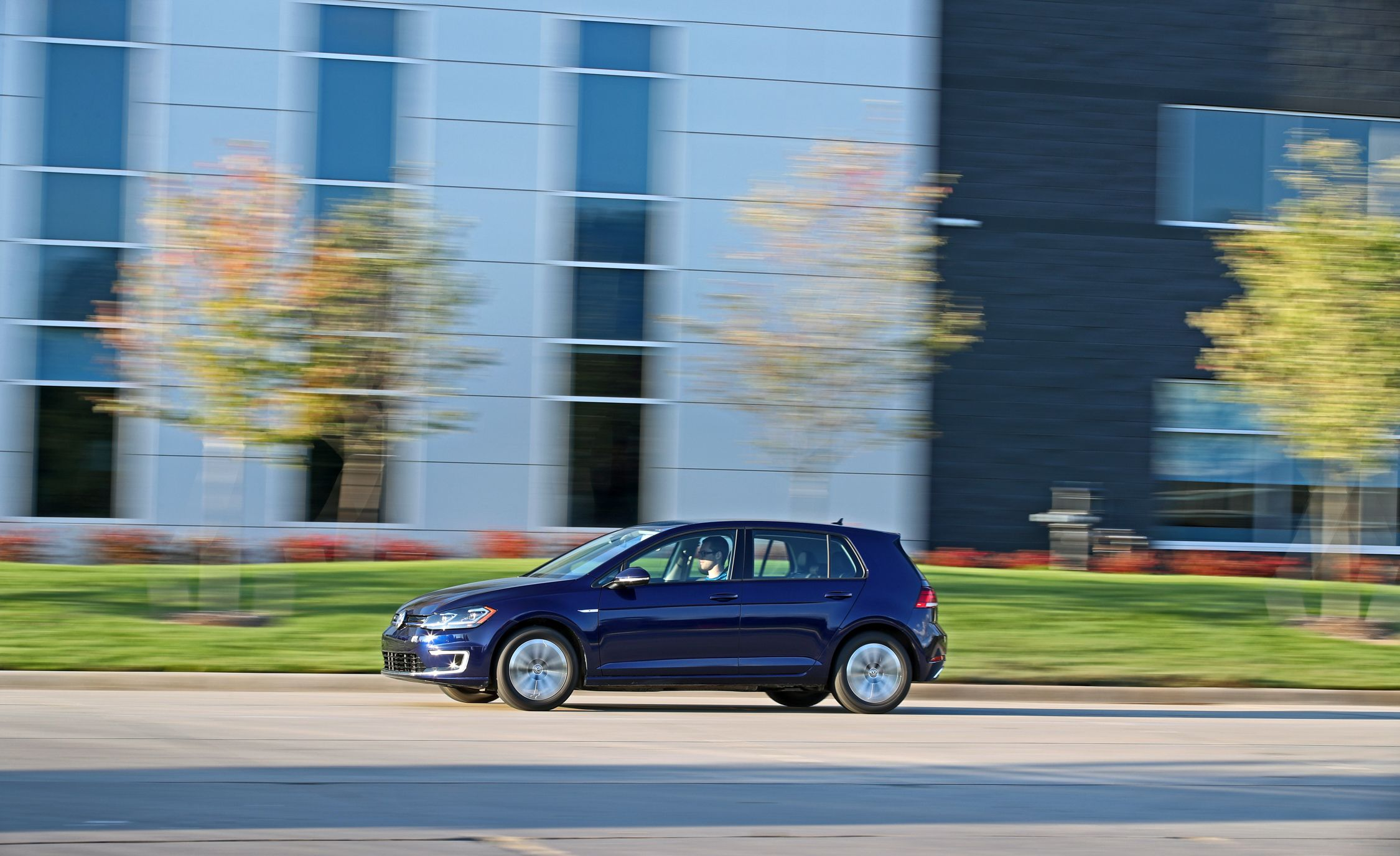 Volkswagen E Golf Reviews Price Photos And Smart Fuse Box Wiki Specs Car Driver