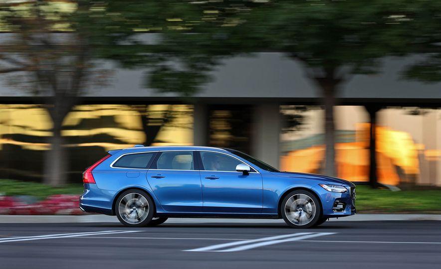 2018 Volvo V90 T6 R Design AWD - Slide 8