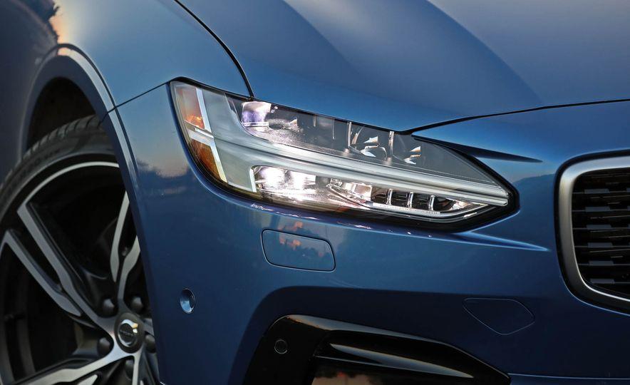 2018 Volvo V90 T6 R Design AWD - Slide 21
