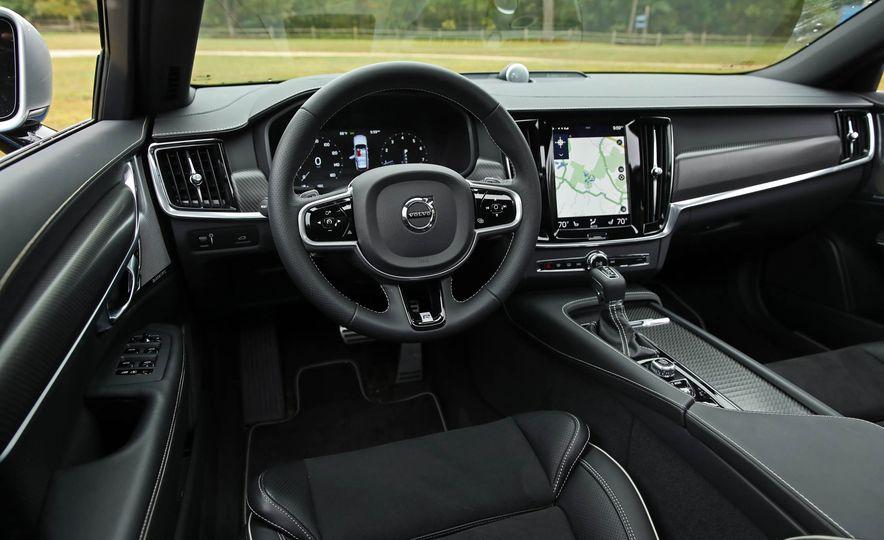 2018 Volvo V90 T6 R Design AWD - Slide 37