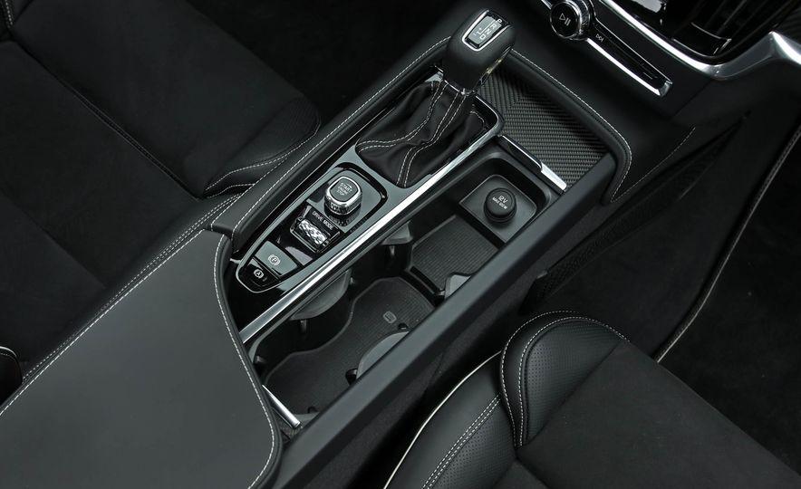 2018 Volvo V90 T6 R Design AWD - Slide 53