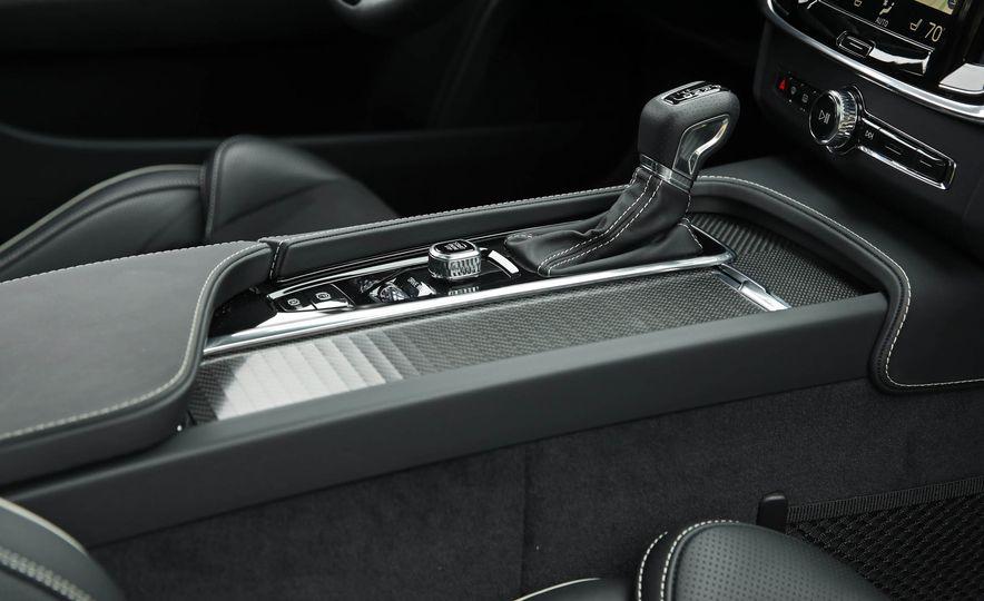 2018 Volvo V90 T6 R Design AWD - Slide 55