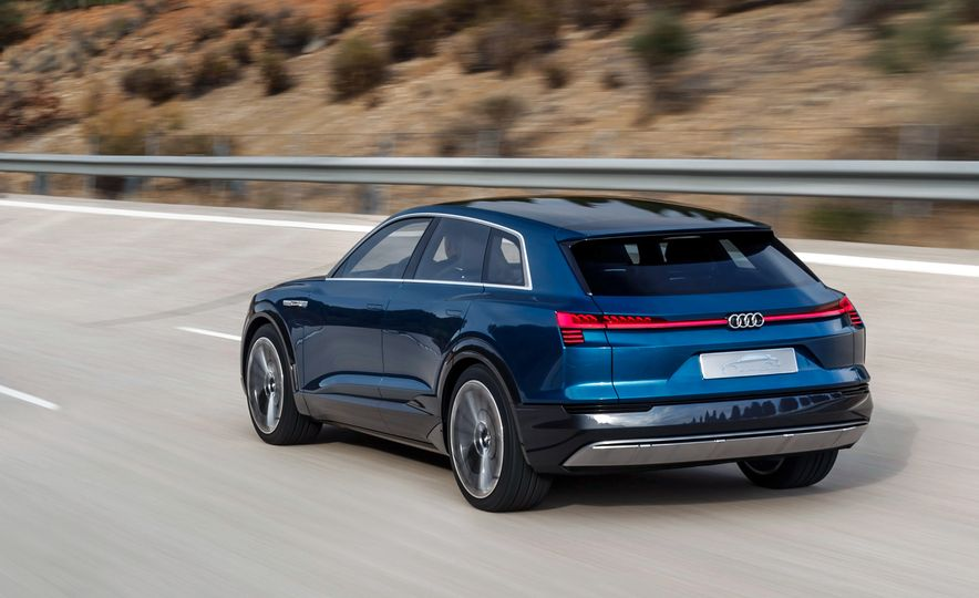 Audi e-tron Sportback concept - Slide 23