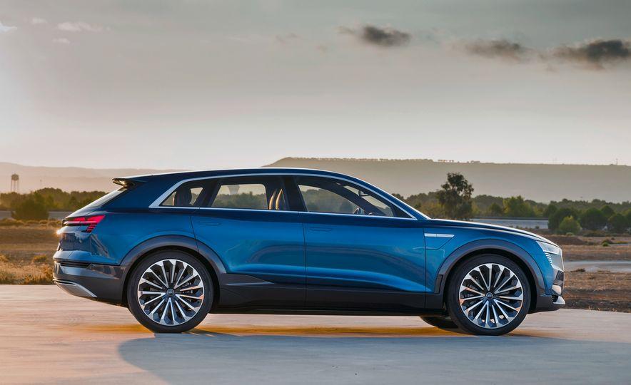 Audi e-tron Sportback concept - Slide 25