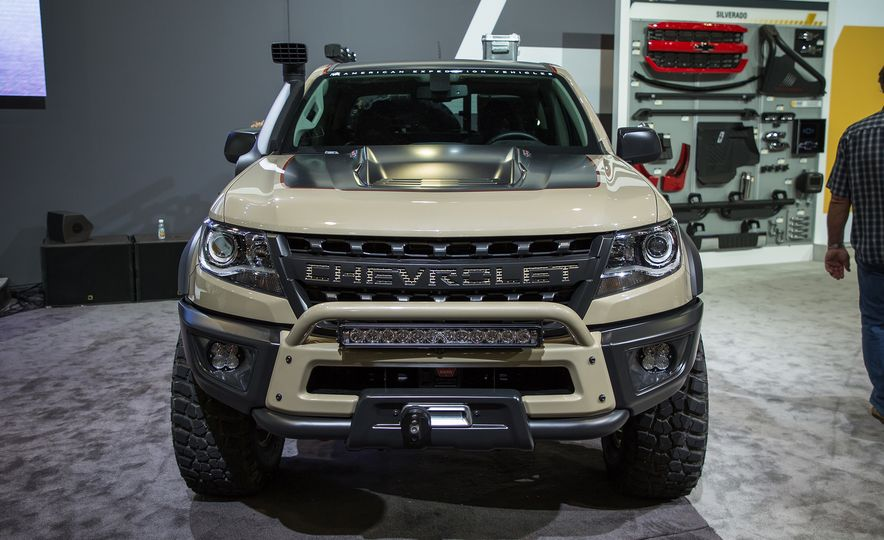 Chevrolet Colorado ZR2 AEV concept - Slide 1