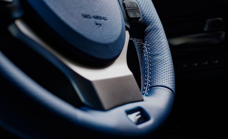 Lexus RC F Special 10th Anniversary Edition - Slide 13