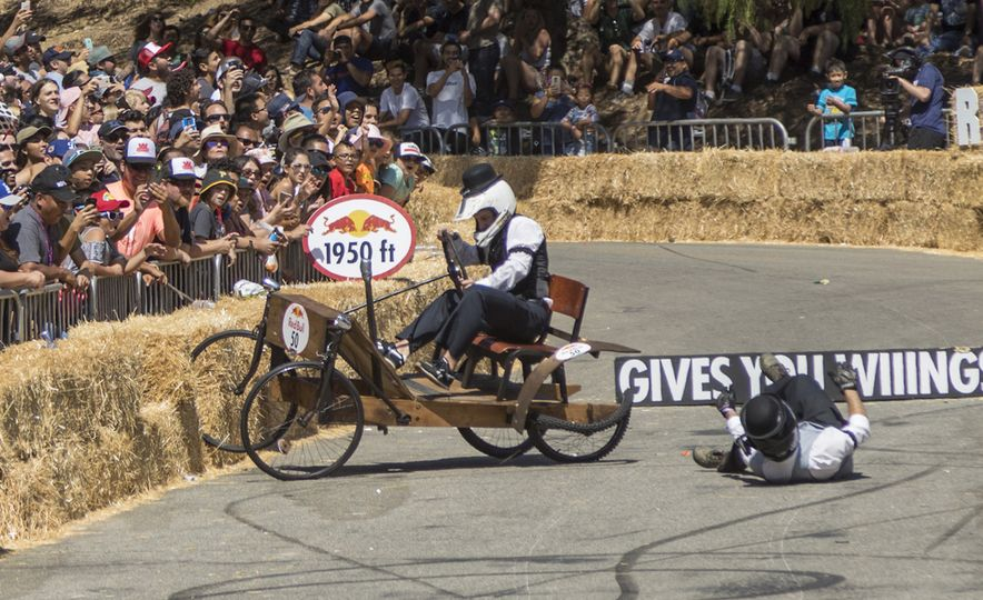 Gravity in Technicolor: 2017 Los Angeles Red Bull Soapbox Race - Slide 12