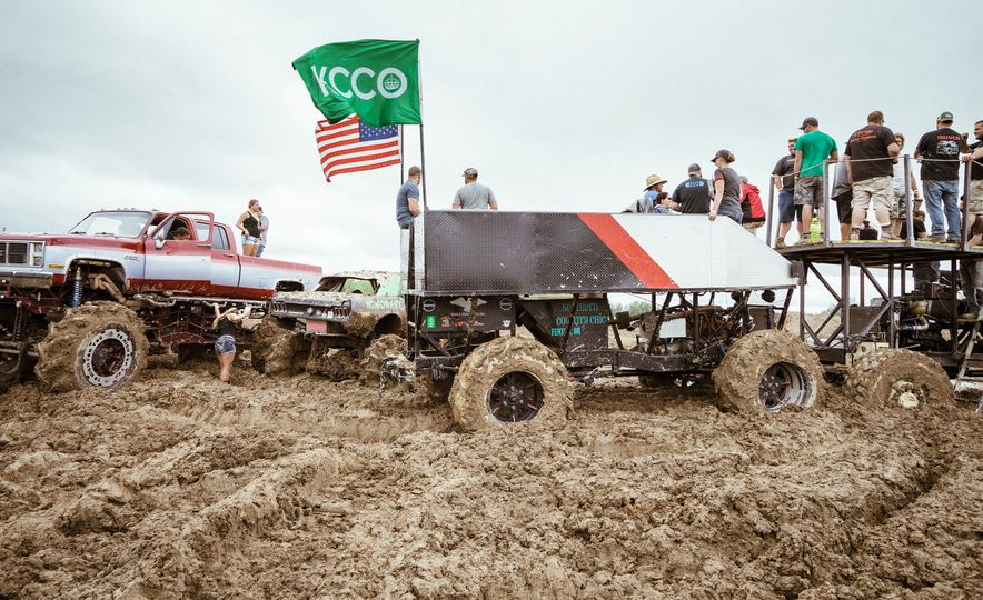 Add Water To Dirt and You Get Mud. Add Beer, Weed, and 15,000 People To Mud and You Get Michigan Mud Jam - Slide 6