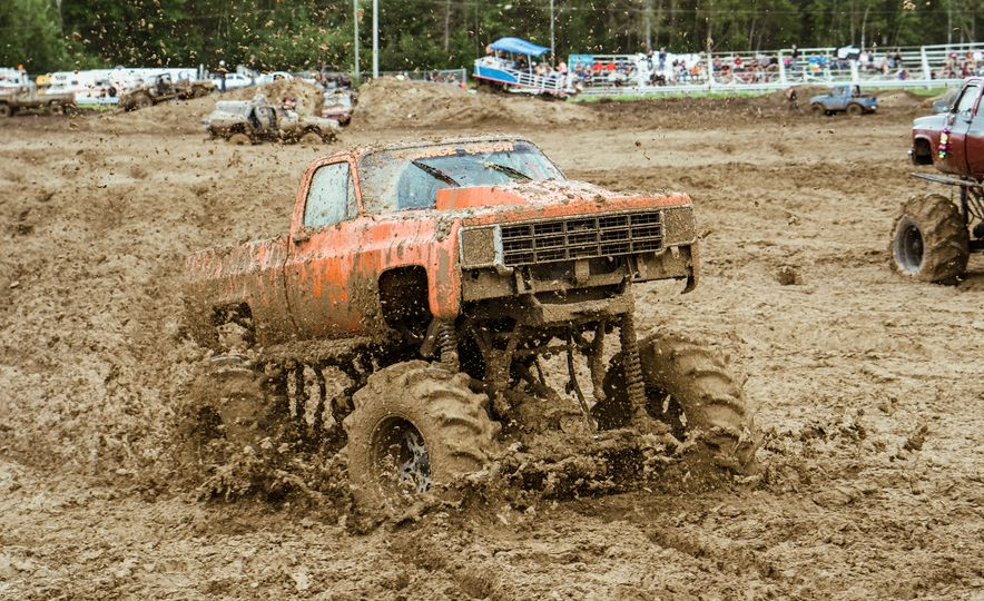 Add Water To Dirt and You Get Mud. Add Beer, Weed, and 15,000 People To Mud and You Get Michigan Mud Jam - Slide 8