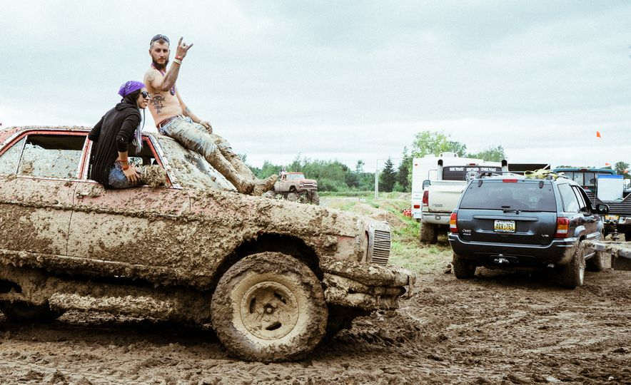 Add Water To Dirt and You Get Mud. Add Beer, Weed, and 15,000 People To Mud and You Get Michigan Mud Jam - Slide 15