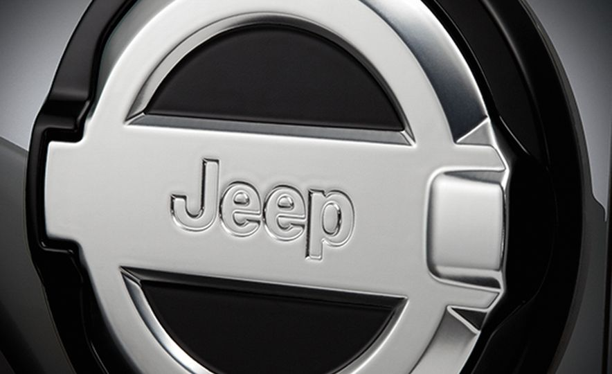 2018 Jeep Wrangler JL Mopar Accessories - Slide 4