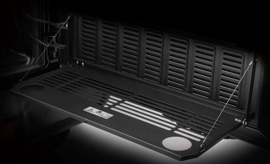 2018 Jeep Wrangler JL Mopar Accessories - Slide 12