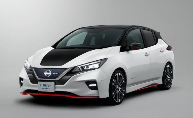 2018 Nissan Leaf Pictures Photo Gallery Car And Driver