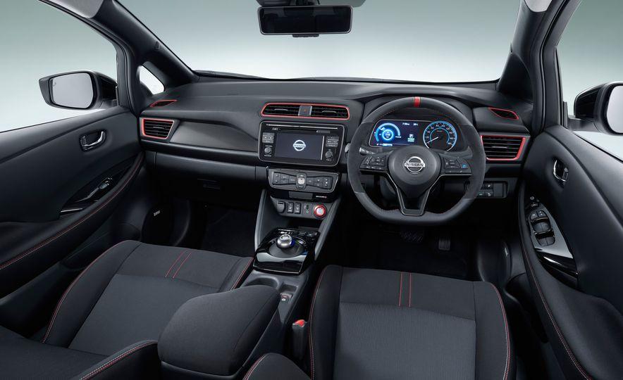 Nissan Leaf NISMO concept - Slide 7