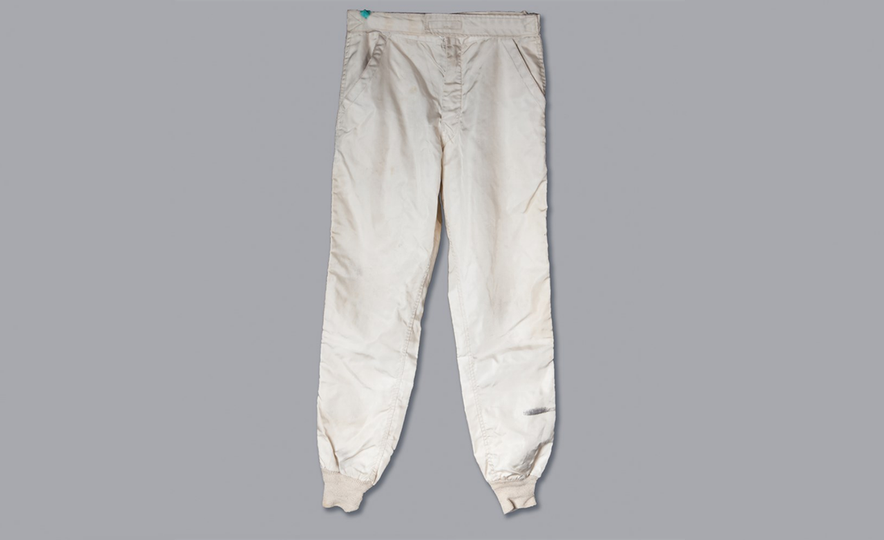 Steve McQueen's Racing Suit and Helmet from Le Mans Movie Headed to Auction - Slide 4