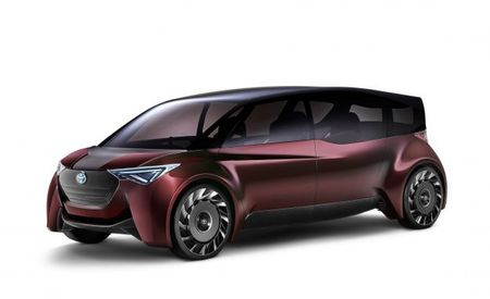 Ride in Fine Comfort: Toyota Fuel-Cell Concept Has 600-Plus Miles of Range