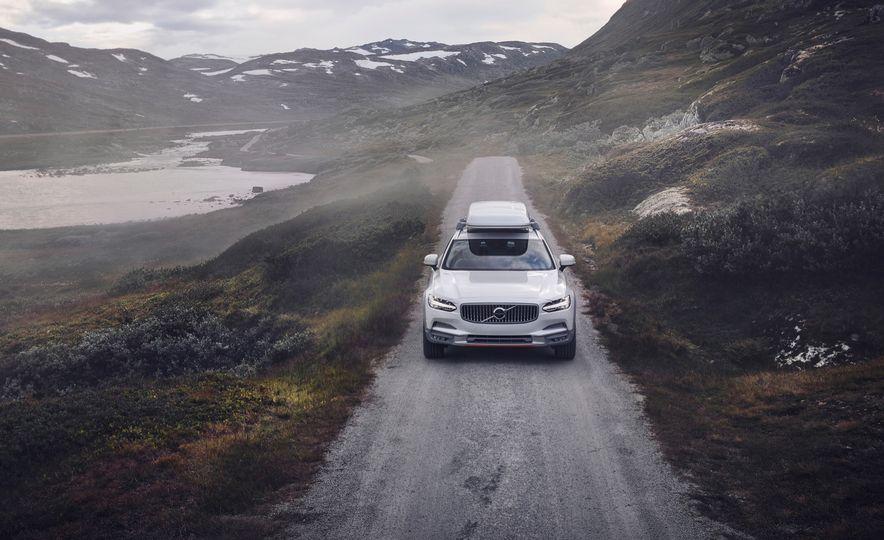 Volvo V90 Cross Country Ocean Race Edition - Slide 1