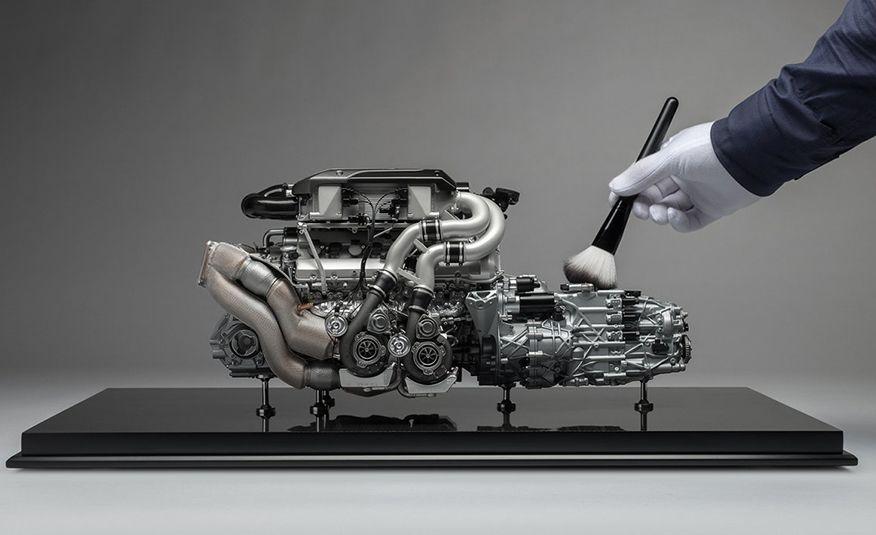 Bugatti Chiron Powertrain 1:4 Model - Slide 1