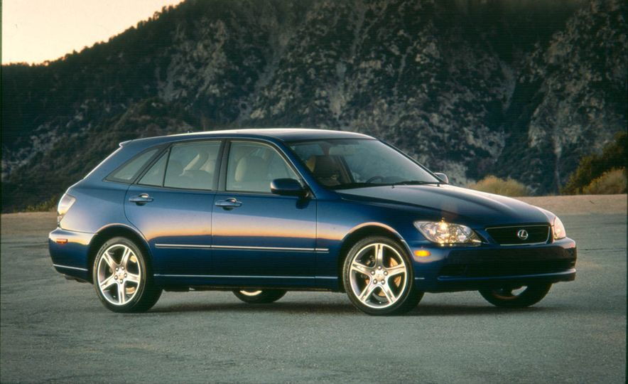 Wayback Machines: Station Wagons That You Forgot Ever Existed - Slide 21