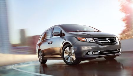Honda Recalls 900,000 Odyssey Minivans for Second-Row Seats That Come Loose