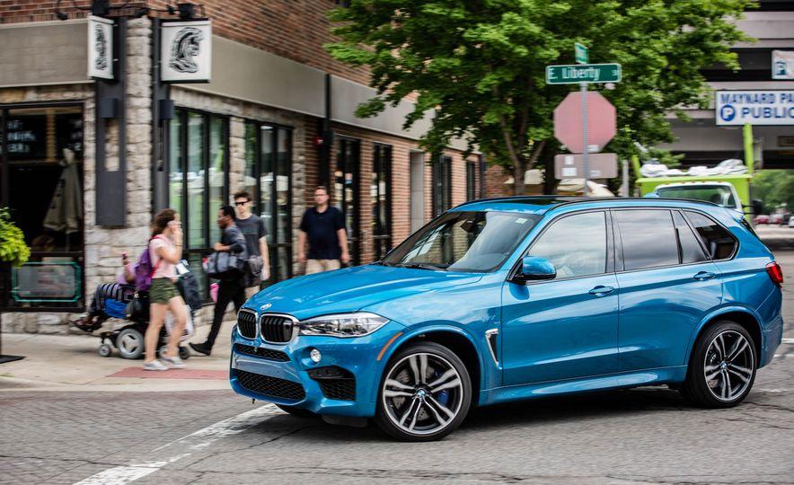 2017 BMW X5 M - Slide 4