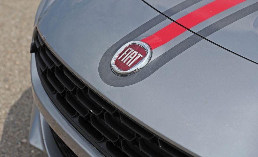 2017 Fiat 124 Spider - Slide 36
