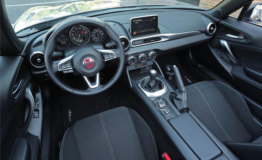 2017 Fiat 124 Spider - Slide 42