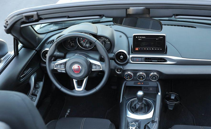 2017 Fiat 124 Spider - Slide 43