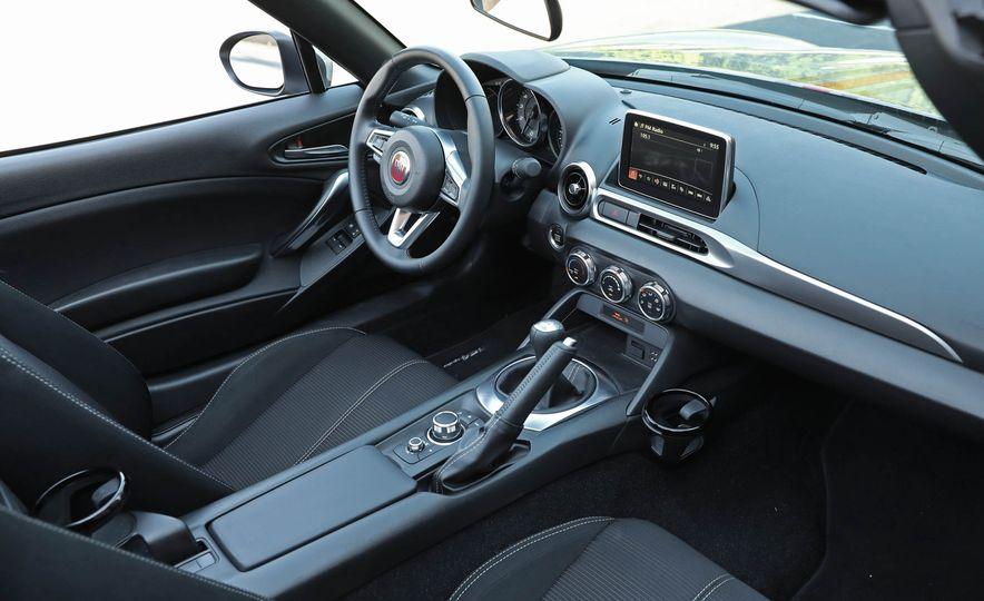 2017 Fiat 124 Spider - Slide 46