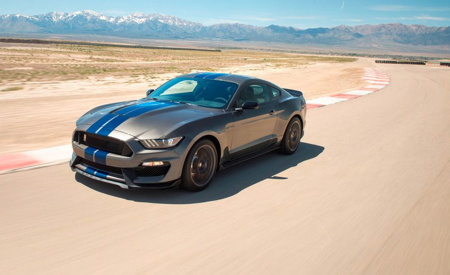 2017 Ford Mustang Shelby GT350 - Slide 1