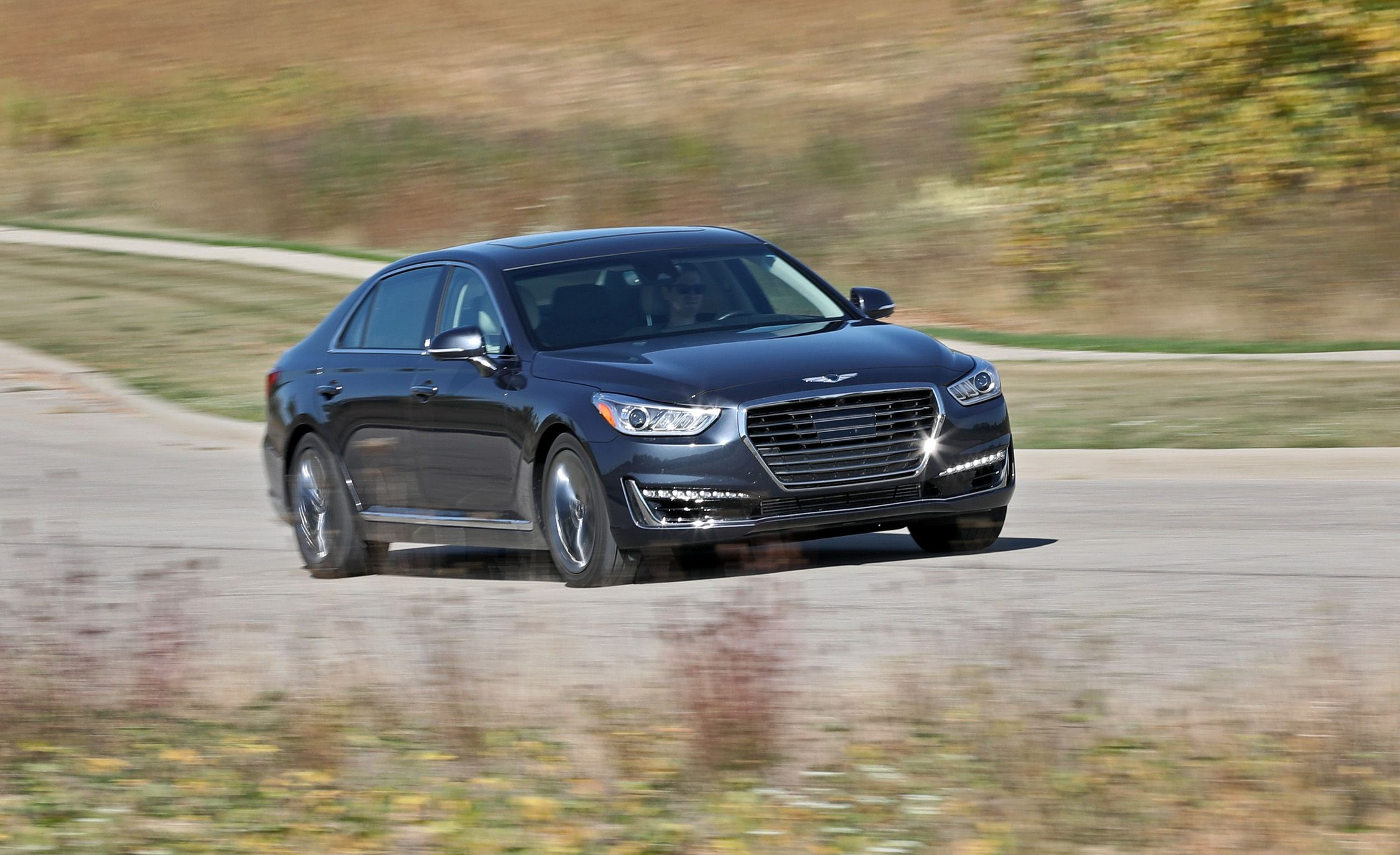 2017 Genesis G90 Pictures | Photo Gallery