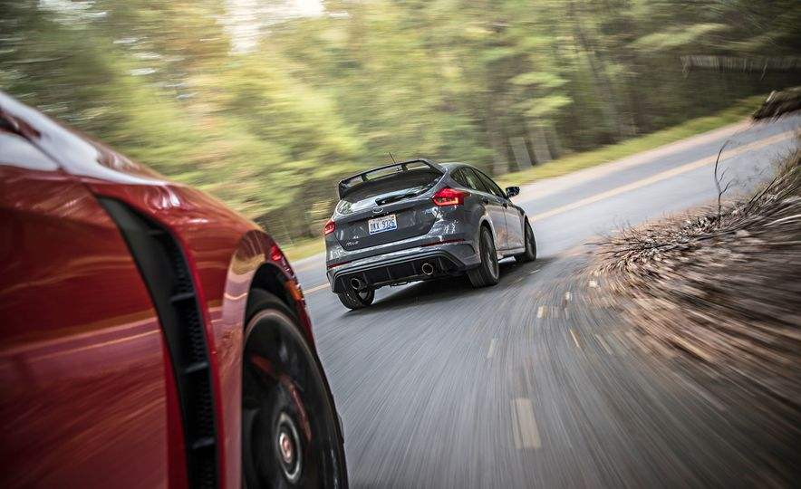 2017 Honda Civic Type R and 2017 Ford Focus RS - Slide 4