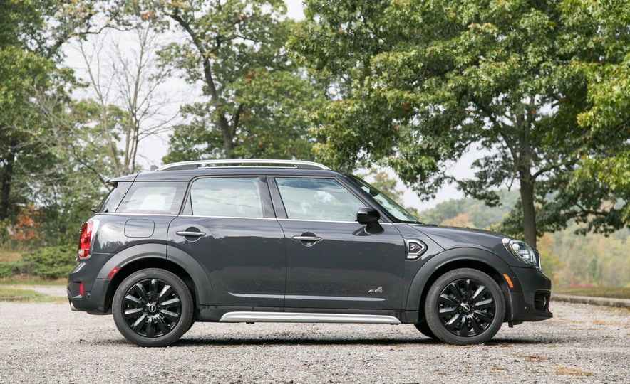 2017 Mini Cooper S Countryman All4 - Slide 4