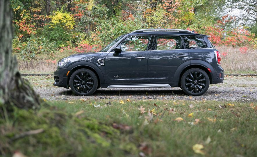 2017 Mini Cooper S Countryman All4 - Slide 10