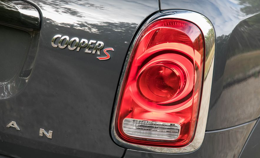 2017 Mini Cooper S Countryman All4 - Slide 30